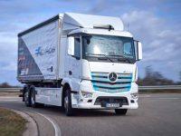 Logistik Schmitt testa Mercedes eActros