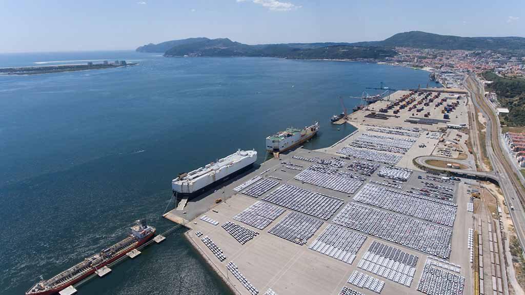 Ambientalistas contestam dragagens no porto de Setúbal