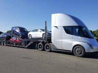 Tesla já opera com o seu camião eléctrico