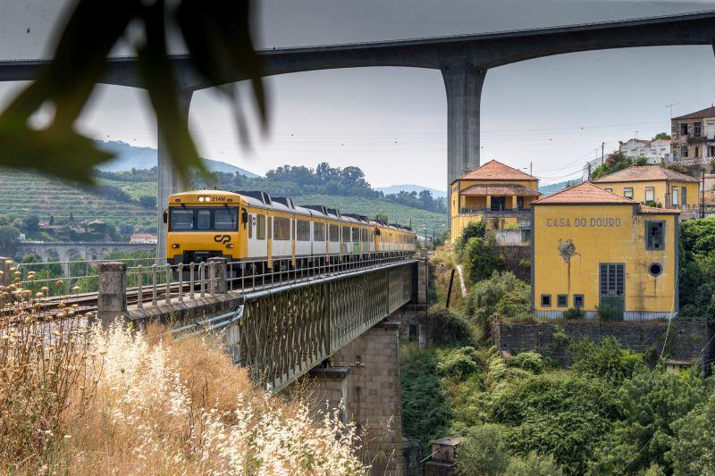 Petição defende reabertura da Linha do Douro até à fronteira