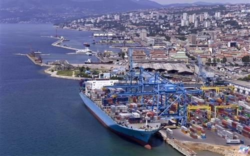 ICTSI cria o primeiro terminal do Adriático Norte capaz de operar navios de 20 mil TEU