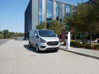 Ford aposta nos furgões híbridos plug-in