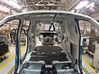 Produção de veículos comerciais em alta