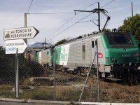"SNCF ""devolve"" à estrada 400 mil toneladas"