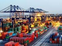 Tianjin fusiona terminais de contentores