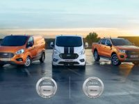 Ford vence furgão e pick-up do ano