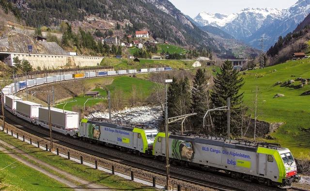 Suíça: Tráfego ferroviário de mercadorias crescerá até 2050