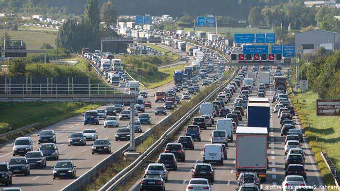 Portagens nas auto-estradas congestionam estradas nacionais