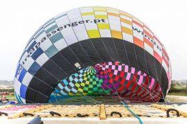 Garland transporta maior balão do mundo