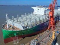 Navio de 23 mil TEU a GNL em testes de mar