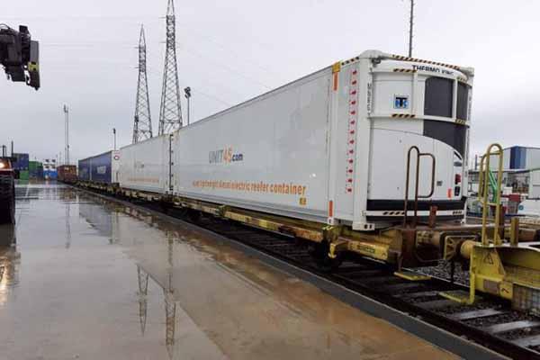 """Novo serviço da Transfesa pode transportar 30 contentores de 45"""""""