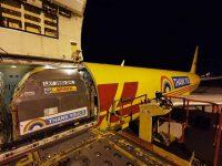 Avião DHL passa em Lisboa para agradecer